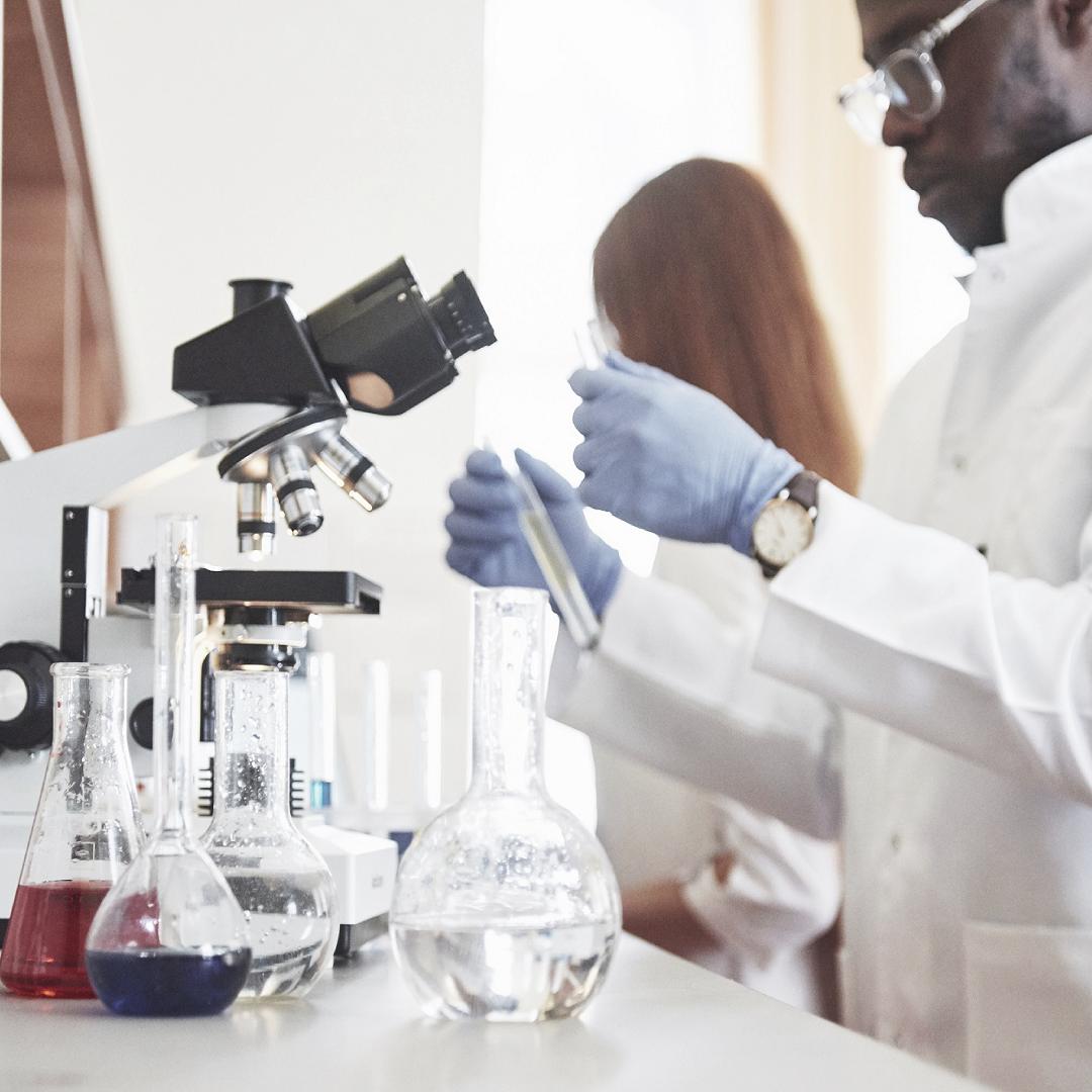 E as atividades práticas em laboratórios?